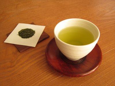 仕事中に煮詰まってしまった…そんなときは緑茶でホッと一息つきませんか?